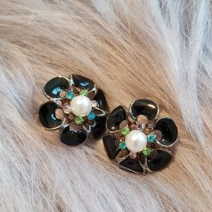 Accent earrings/studs